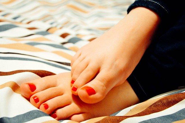 טיפול בפטריות ברגליים פדיקור